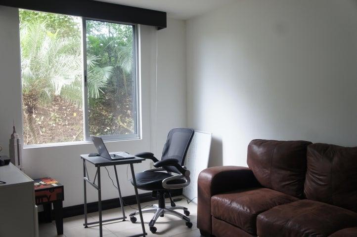 Apartamento Heredia>Ulloa>Heredia - Venta:135.000 US Dollar - codigo: 18-844