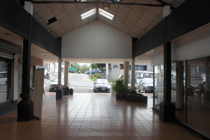 Local comercial San Jose>San Rafael Escazu>Escazu - Alquiler:1.300 US Dollar - codigo: 19-152