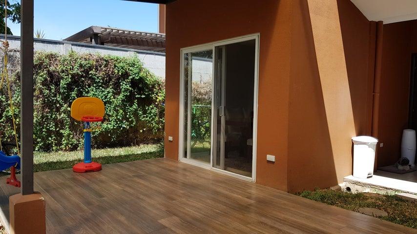 Casa Alajuela>La Guacima>Alajuela - Venta:155.000 US Dollar - codigo: 19-173