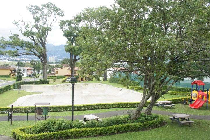 Casa Heredia>Ulloa>Heredia - Venta:155.000 US Dollar - codigo: 19-195