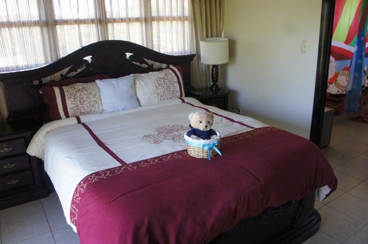Casa San Jose>Santa Ana>Santa Ana - Venta:380.000 US Dollar - codigo: 19-255
