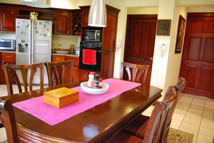 Casa San Jose>Santa Ana>Santa Ana - Venta:825.000 US Dollar - codigo: 19-302
