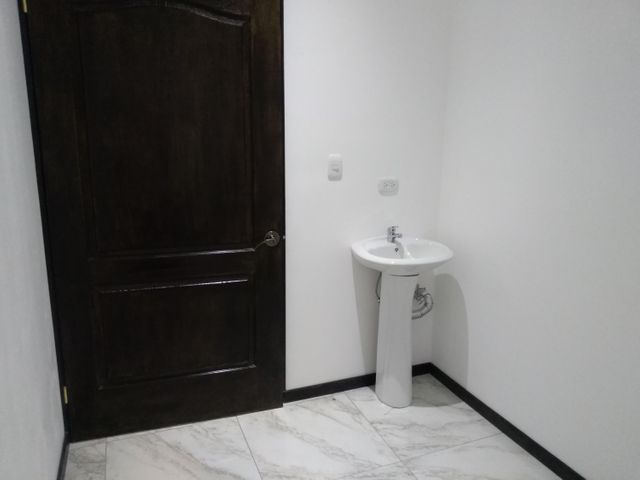 Oficina San Jose>San Pedro>Montes de Oca - Alquiler:1.650 US Dollar - codigo: 19-347