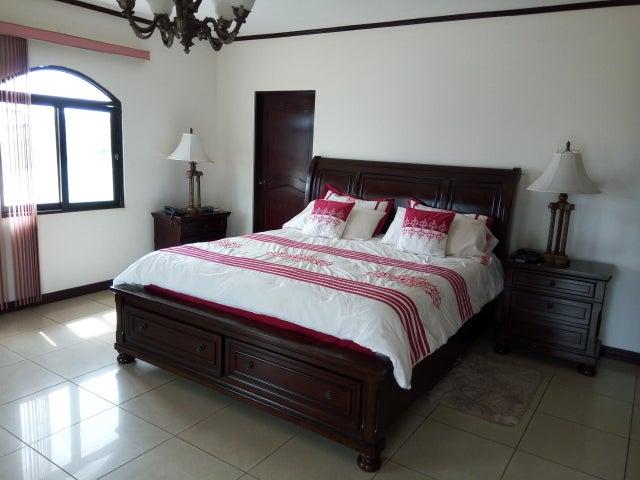 Casa Alajuela>El Coyol>Alajuela - Venta:285.000 US Dollar - codigo: 19-383
