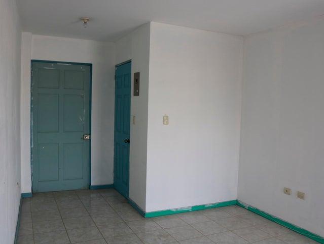 Local comercial San Jose>San Pedro>Montes de Oca - Alquiler:295 US Dollar - codigo: 19-390