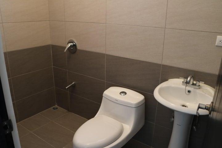 Casa Alajuela>Turrucares>Alajuela - Venta:124.500 US Dollar - codigo: 19-402