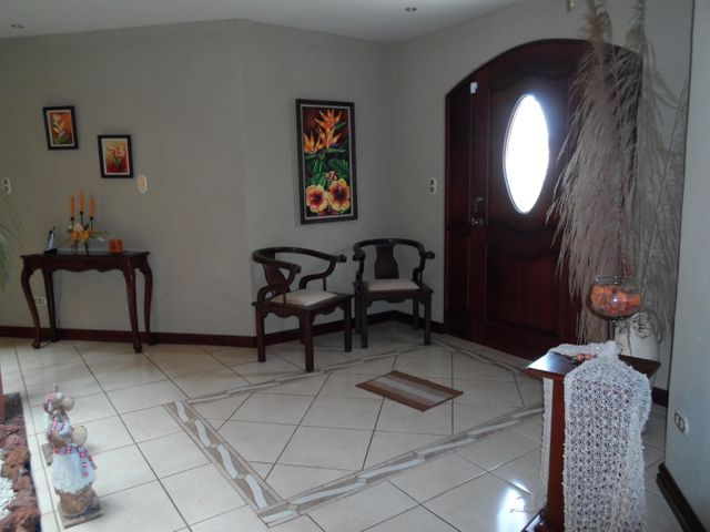 Casa San Jose>San Antonio>Vazquez de Coronado - Venta:500.000 US Dollar - codigo: 19-463