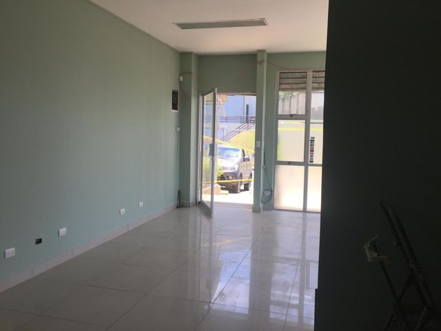 Local comercial San Jose>Granadilla>Curridabat - Alquiler:800 US Dollar - codigo: 19-484