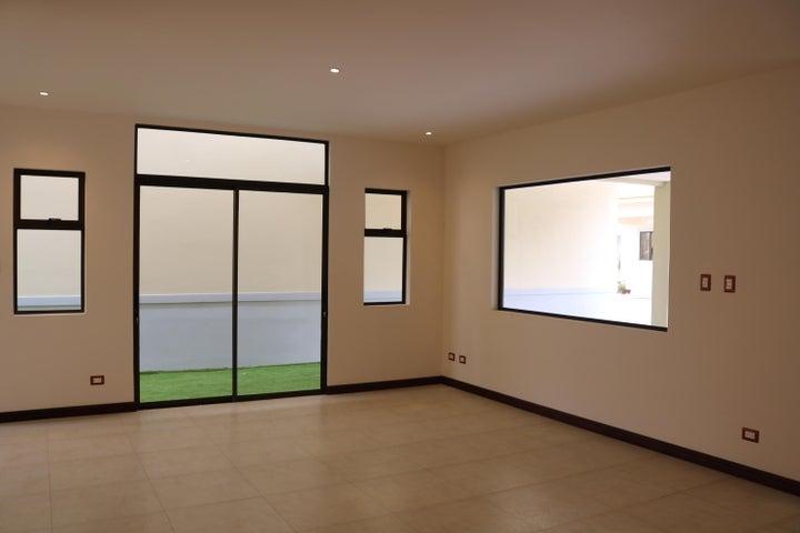 Casa San Jose>Granadilla>Curridabat - Venta:245.000 US Dollar - codigo: 19-529