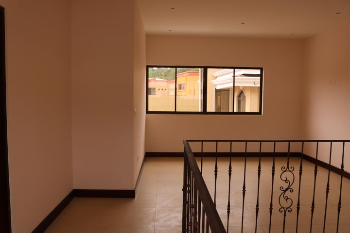 Casa San Jose>Granadilla>Curridabat - Venta:285.000 US Dollar - codigo: 19-530