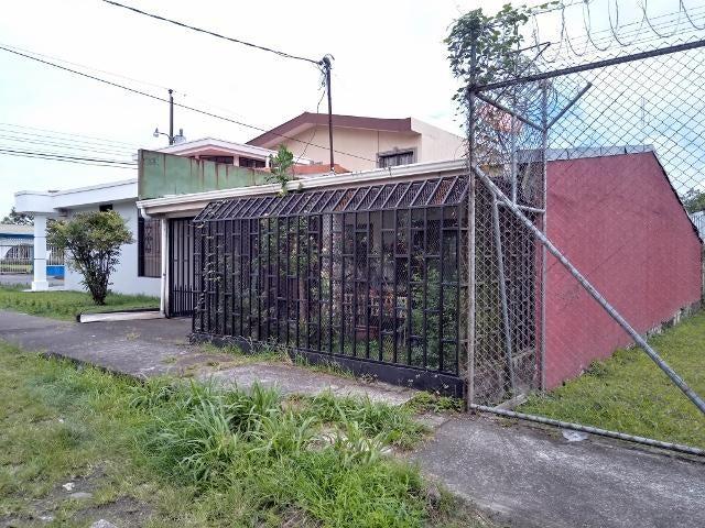 Casa Limon>Guapiles>Pococi - Venta:83.000 US Dollar - codigo: 19-538