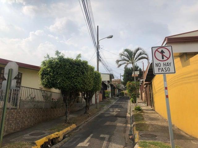 Casa Heredia>San Antonio>Belen - Venta:160.000 Colones - codigo: 19-551