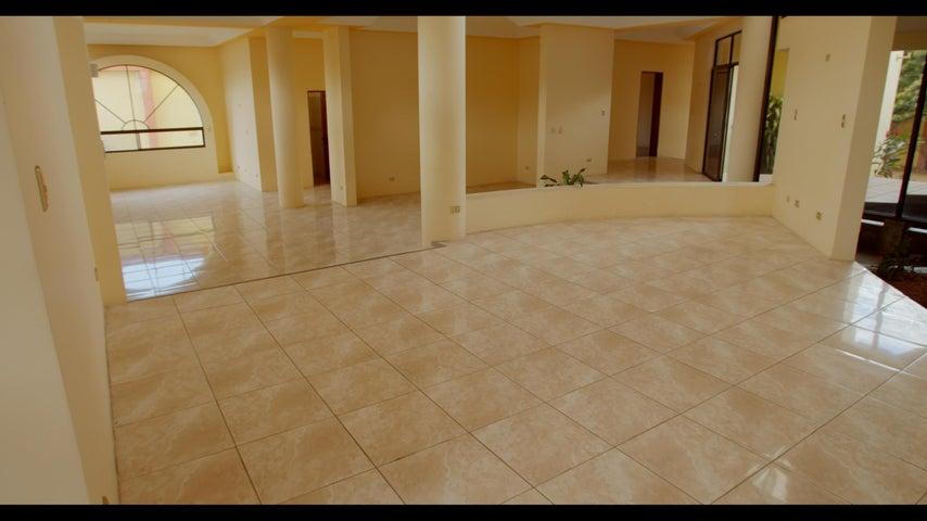 Casa San Jose>Rohrmoser>Pavas - Venta:980.000 US Dollar - codigo: 19-499