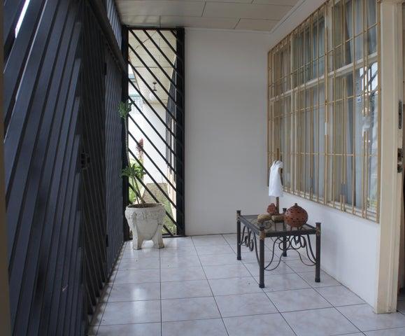 Casa Heredia>Santo Domingo>Santo Domingo - Venta:500.000 US Dollar - codigo: 19-639