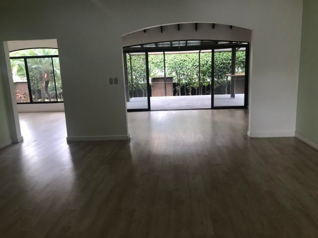 Casa San Jose>Bosques Lindora>Santa Ana - Venta:450.000 US Dollar - codigo: 19-642