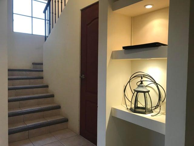 Casa San Jose>Santa Ana>Santa Ana - Alquiler:1.300 US Dollar - codigo: 19-647