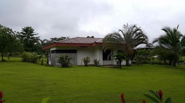 Casa Limon>Guapiles>Limon - Venta:325.000 US Dollar - codigo: 19-586