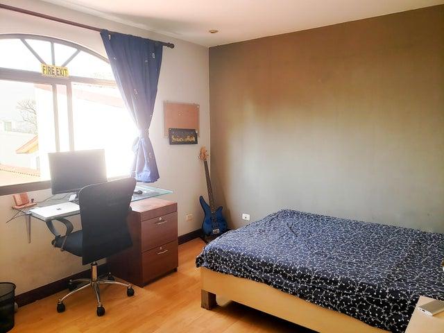 Casa San Jose>Rohrmoser>Pavas - Venta:200.000 US Dollar - codigo: 19-666