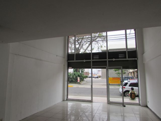 Local comercial San Jose>San Jose Centro>San Jose - Alquiler:2.500 US Dollar - codigo: 19-668