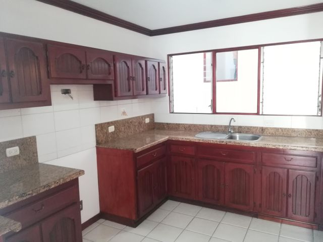 Casa San Jose>Rohrmoser>Pavas - Venta:235.000 US Dollar - codigo: 19-678