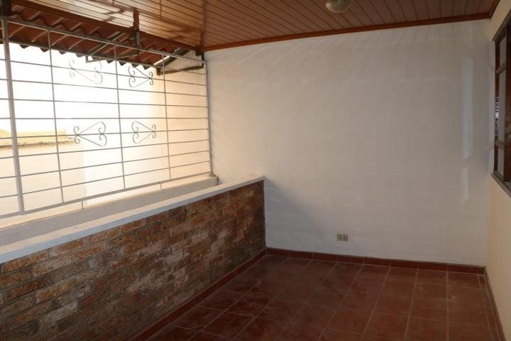 Apartamento San Jose>Rohrmoser>San Jose - Alquiler:750 US Dollar - codigo: 19-682