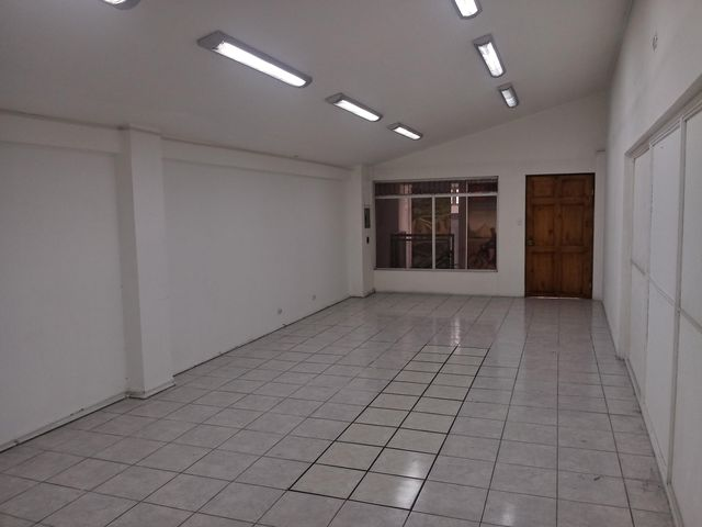 Local comercial San Jose>Guadalupe>Goicoechea - Alquiler:420 US Dollar - codigo: 19-670