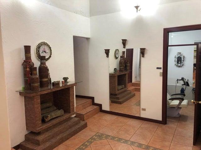 Casa San Jose>Rohrmoser>Pavas - Venta:190.000 US Dollar - codigo: 19-694