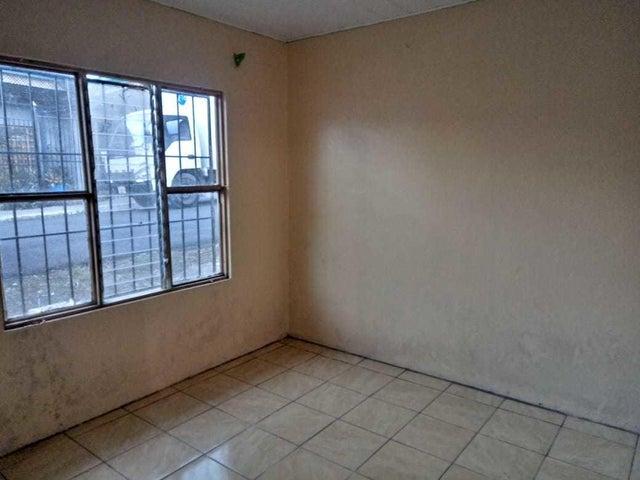 Casa Limon>Guapiles>Pococi - Alquiler:215 US Dollar - codigo: 19-699