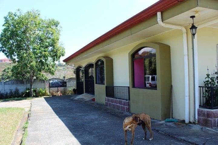 Casa Alajuela>Grecia>Poas - Alquiler:1.100 US Dollar - codigo: 19-700