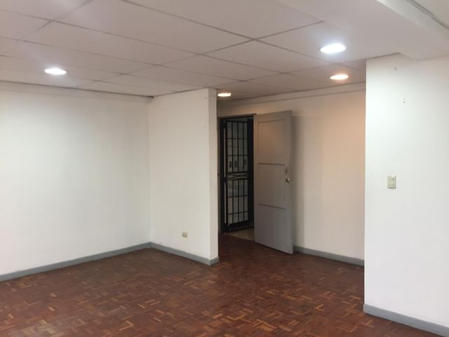 Edificio San Jose>Curridabat>Curridabat - Alquiler:700 US Dollar - codigo: 19-728