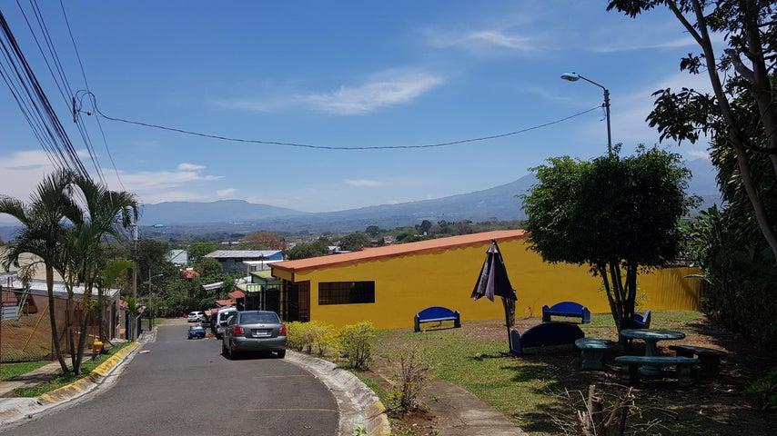 Casa Heredia>Mercedes Sur>Heredia - Venta:133.000 US Dollar - codigo: 19-809