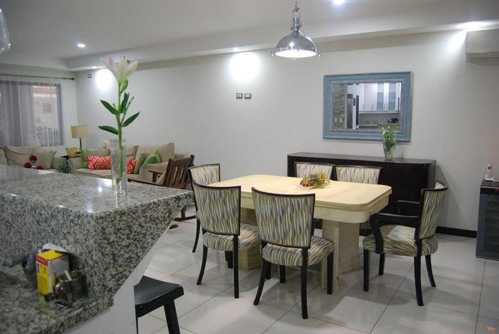 Casa San Jose>Rio Oro>Santa Ana - Venta:250.000 US Dollar - codigo: 19-743