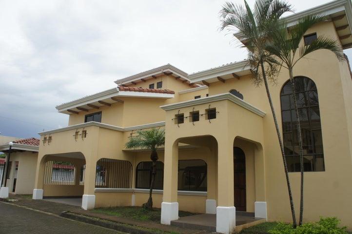 Casa Heredia>Belen>Belen - Venta:335.000 US Dollar - codigo: 19-846