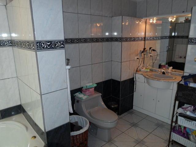 Casa San Jose>San Juan>Tibas - Venta:365.000 US Dollar - codigo: 19-870