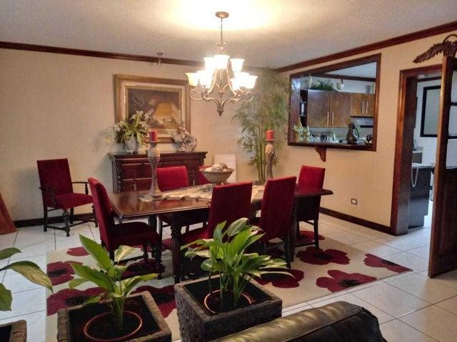 Casa San Jose>San Rafael Escazu>Escazu - Venta:500.000 US Dollar - codigo: 19-903
