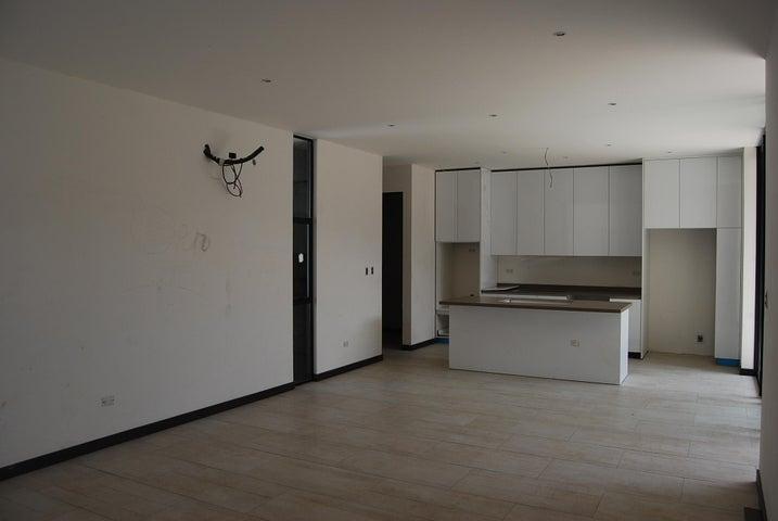 Casa San Jose>Rio Oro>Santa Ana - Venta:260.000 US Dollar - codigo: 19-915