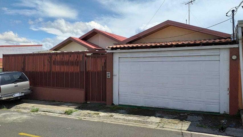 Casa Heredia>Mercedes Norte>Barva - Venta:215.000 US Dollar - codigo: 19-895