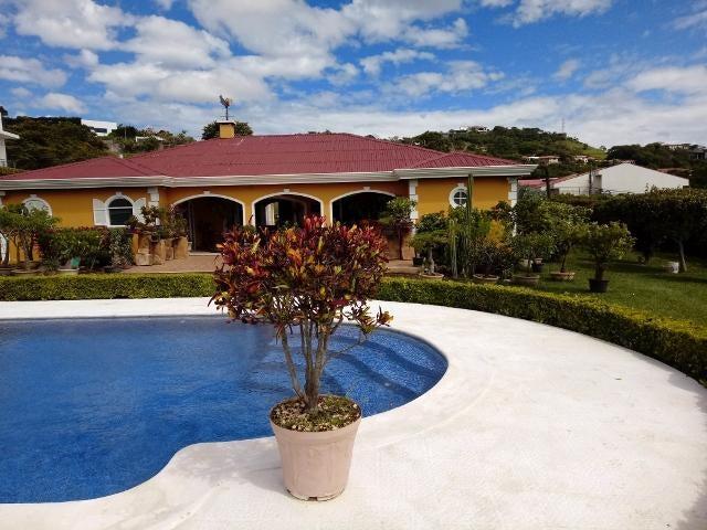 Casa San Jose>San Rafael Escazu>Escazu - Venta:1.200.000 US Dollar - codigo: 19-897