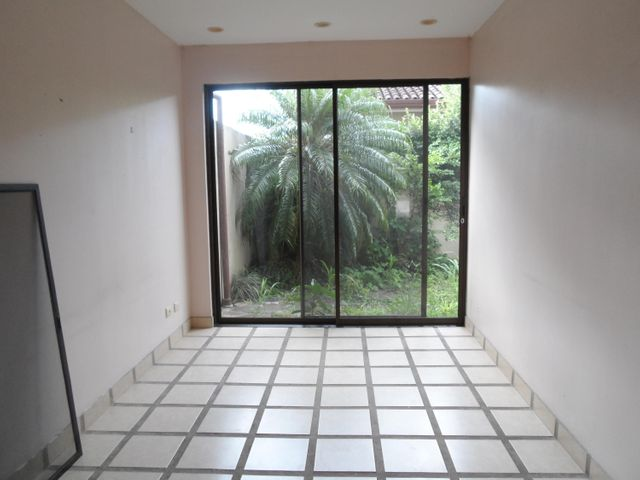 Casa San Jose>Santa Ana>Santa Ana - Venta:145.000 US Dollar - codigo: 19-911
