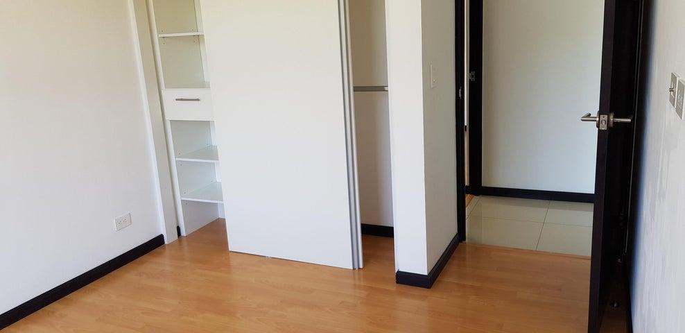 Apartamento San Jose>Granadilla>Curridabat - Alquiler:750 US Dollar - codigo: 19-786