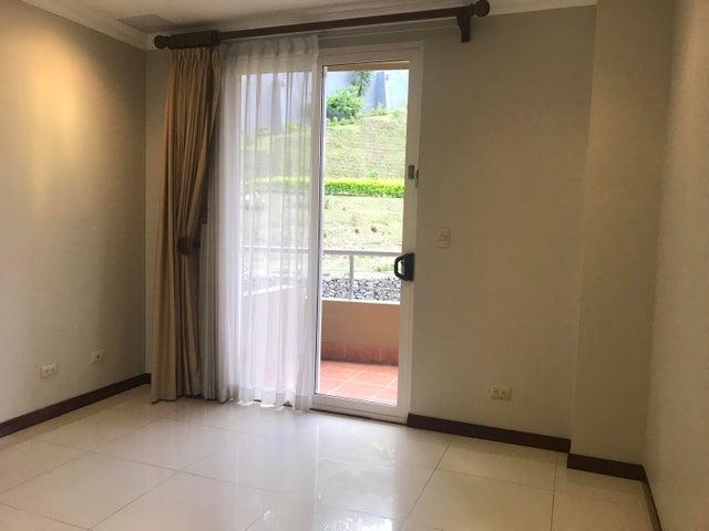 Apartamento San Jose>San Rafael Escazu>Escazu - Venta:250.000 US Dollar - codigo: 19-393