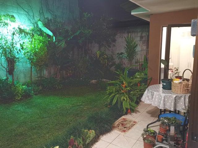 Casa San Jose>Granadilla>Curridabat - Venta:212.000 US Dollar - codigo: 19-977