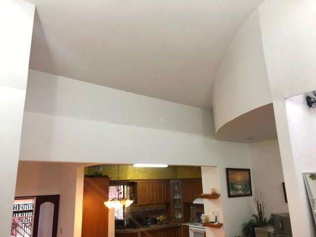 Casa San Jose>Rohrmoser>Pavas - Venta:189.000 US Dollar - codigo: 19-1001