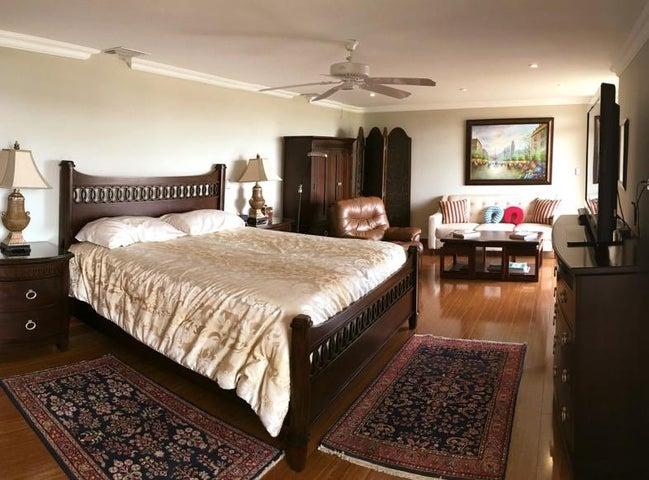 Apartamento San Jose>Escazu>Escazu - Venta:750.000 US Dollar - codigo: 19-1040