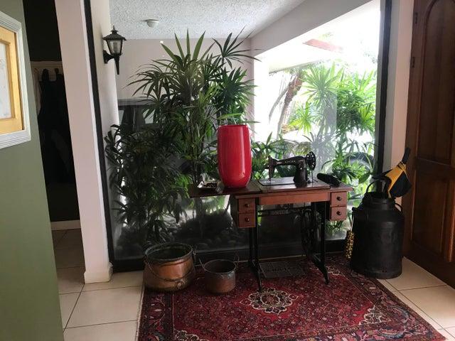 Casa San Jose>Escazu>Escazu - Venta:395.000 US Dollar - codigo: 19-1042