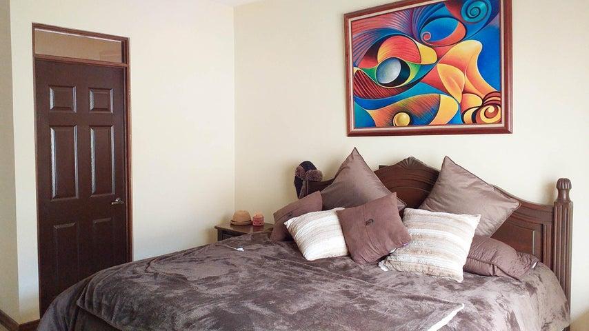 Casa Cartago>El Tejar>El Guarco - Venta:335.000 US Dollar - codigo: 19-1057