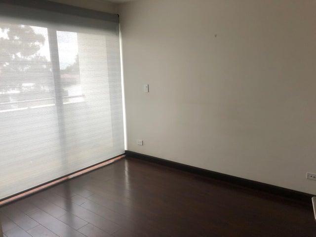 Apartamento San Jose>La Uruca>San Jose - Alquiler:850 US Dollar - codigo: 19-1148