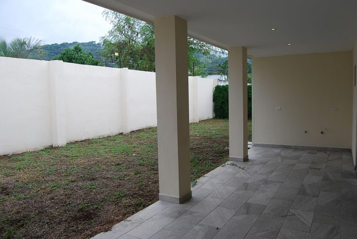 Casa San Jose>Santa Ana>Santa Ana - Venta:225.000 US Dollar - codigo: 19-1219