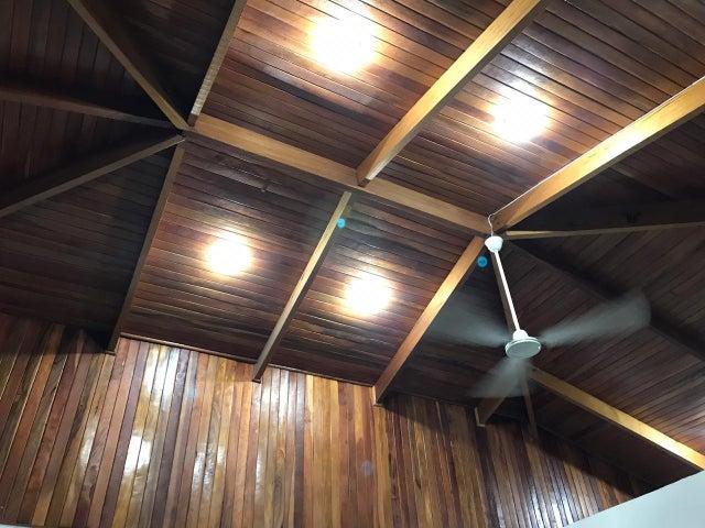 Casa San Jose>Santa Ana>Santa Ana - Venta:530.000 US Dollar - codigo: 19-1228