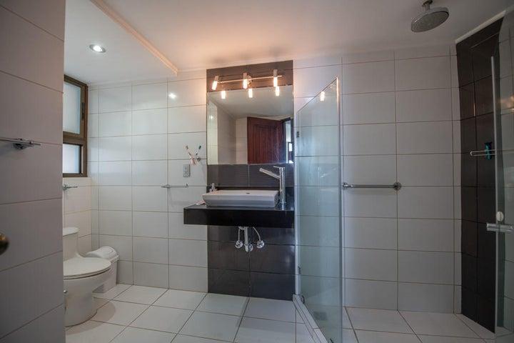 Casa San Jose>Villa Real>Santa Ana - Venta:1.000.000 US Dollar - codigo: 19-1232